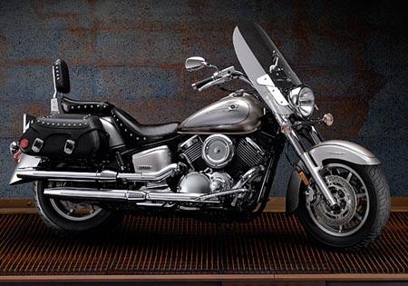 2006 Yamaha V-Star 1100 Midnight Custom | Motortrend